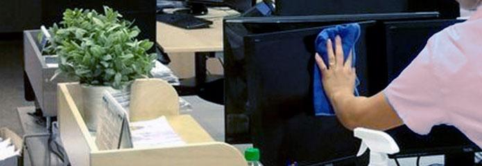 Limpieza en oficinas y despachos de equipos inform ticos for Limpieza en oficinas