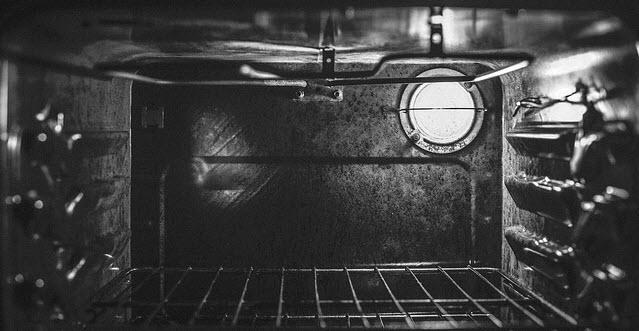 Contratar limpieza de horno particular