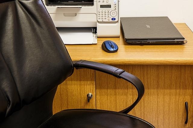 Limpiar sillas de oficina